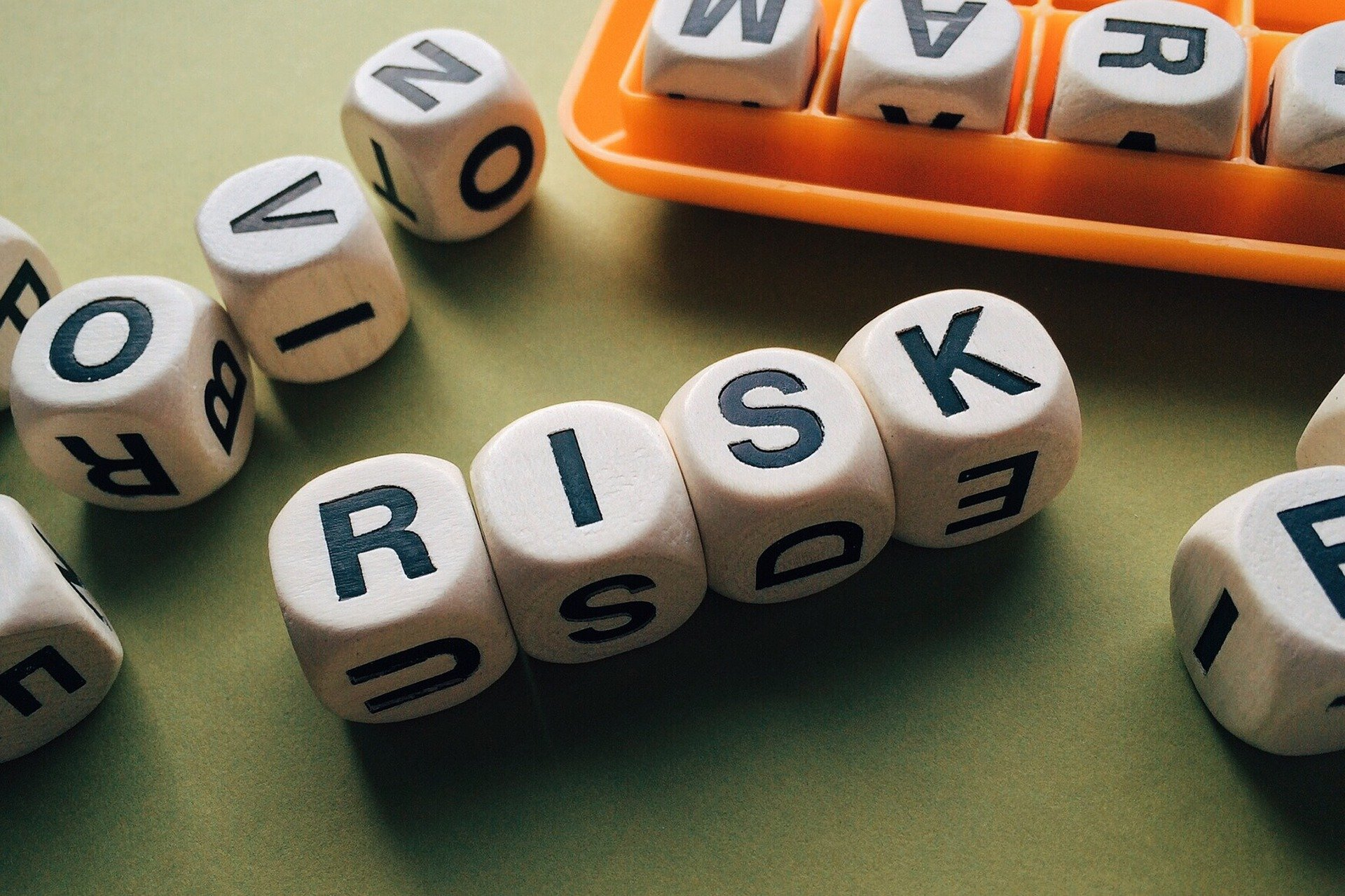 An Introduction to Blockchain for Risk Management