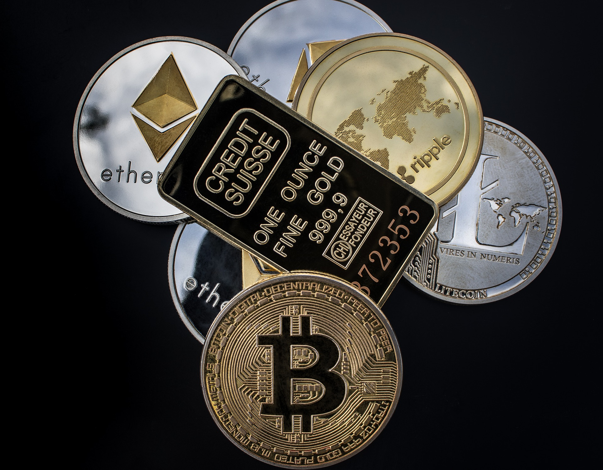Cryptocurrency and Macroeconomic Issues